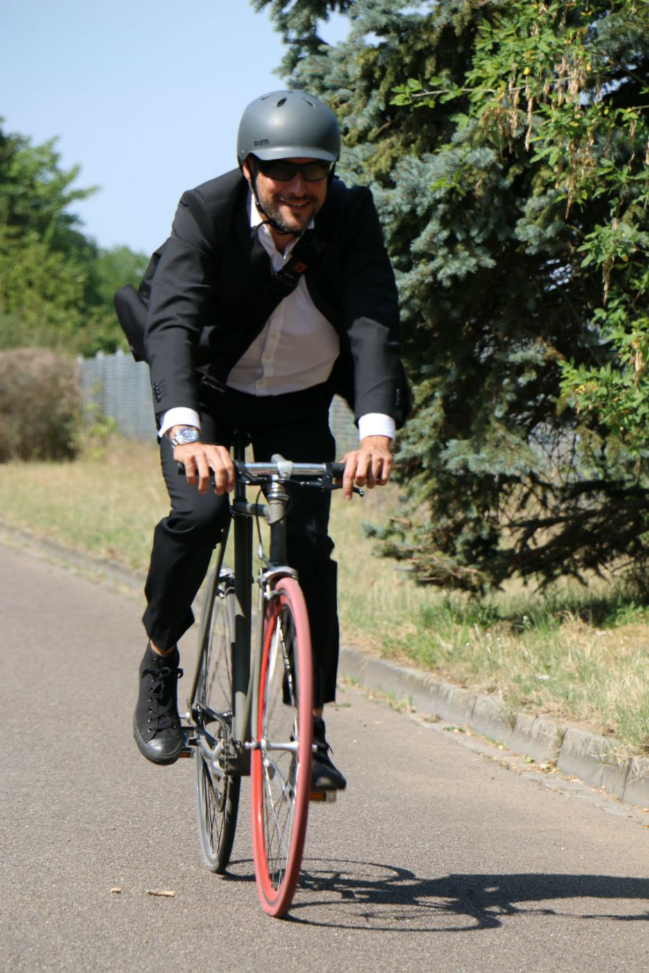 Mr-Ride-Business-Outfit09